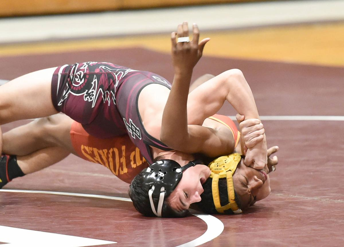 B-E wrestling - Hiers pins for win