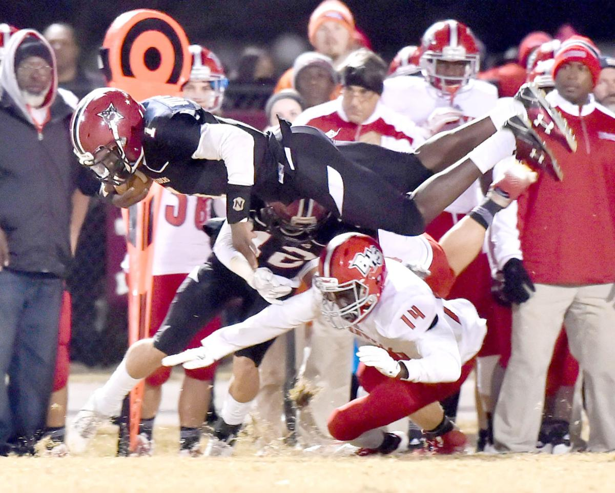 Williams dives for B-E first down