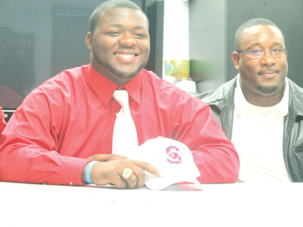 Damu Ford signs with SCSU
