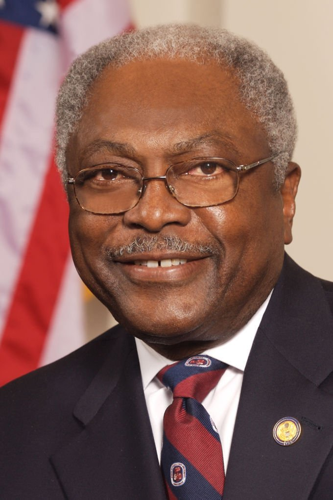 James E  Clyburn Research & Scholarship Foundation awards funds