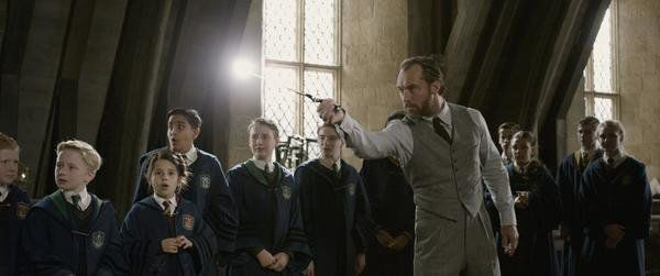 'Fantastic Beasts and the Crimes of Grindelwald' is for Potterverse fans only