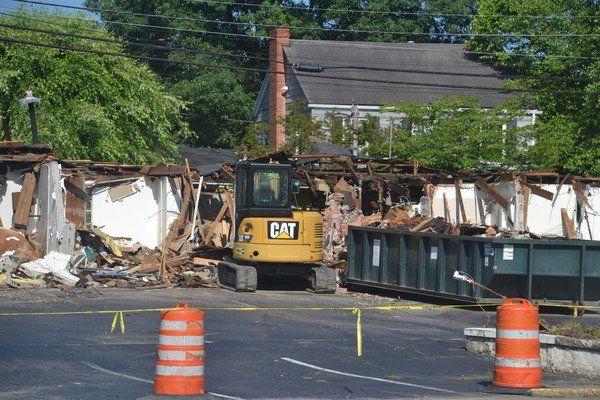 Demolitionat Economy Inn making way for splash pad