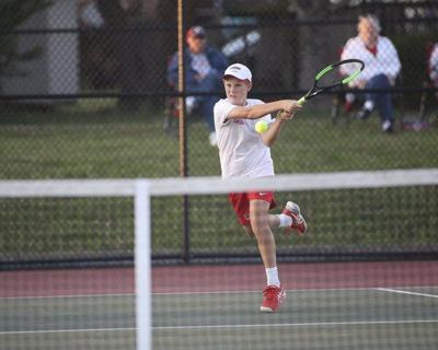 Redhound tennis improves to 11-1 with win over South Laurel