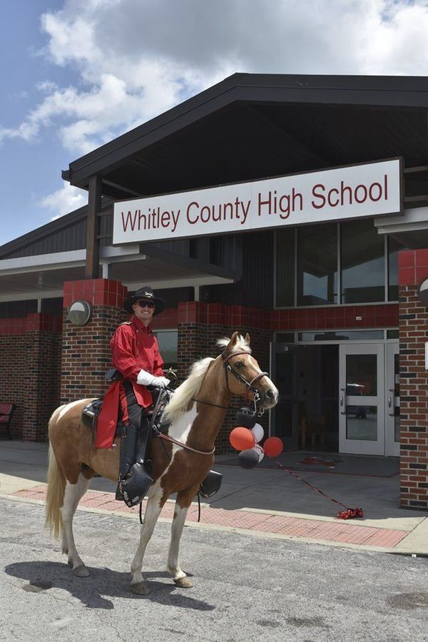 Colonel Cruise: Whitley County seniors celebrate with parade