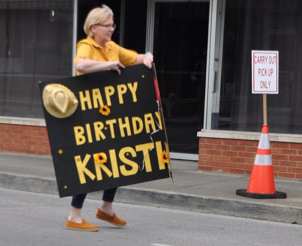 DRIVE-BY BIRTHDAY:Friends surprise Wrigley co-owner with social distancing birthday parade