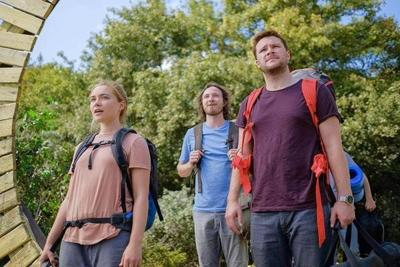 <b>'Midsommar' rolls out a floral carpet that is anything but welcoming</b>