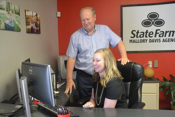 State Farm father-daughter duo treats community like family