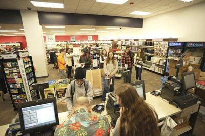 Final semester on-campus undergrads have to purchase textbooks