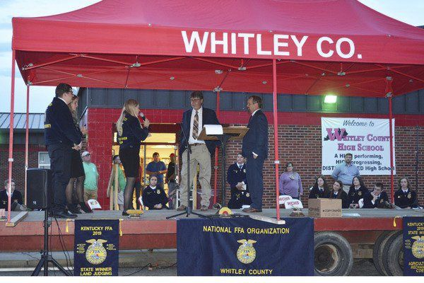 Whitley County High SchoolFFA holds drive-in banquet