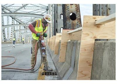 Repair crews working 24/7 on Brent Spence Bridge