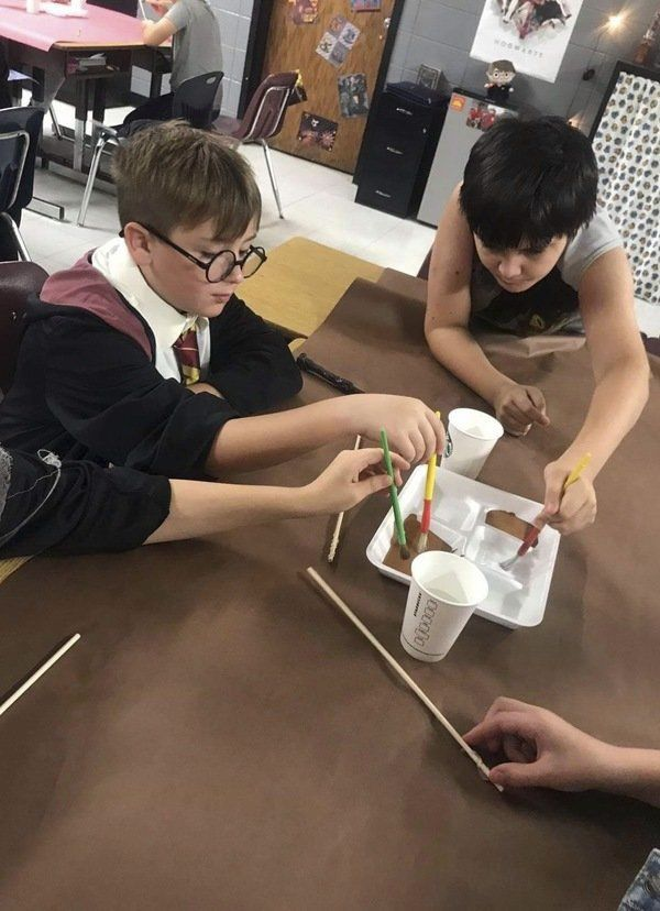 Lynn Camp fourth-graders spellbound by Harry Potter books