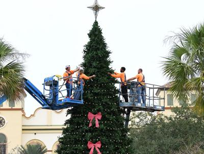 Squares soon to shine with holiday lights