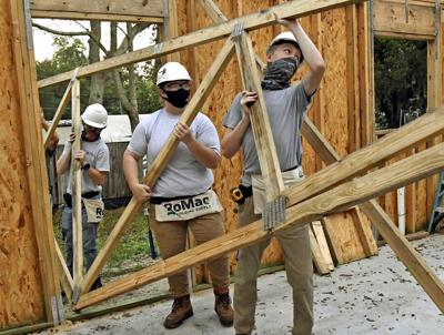 Students build with Habitat for Humanity