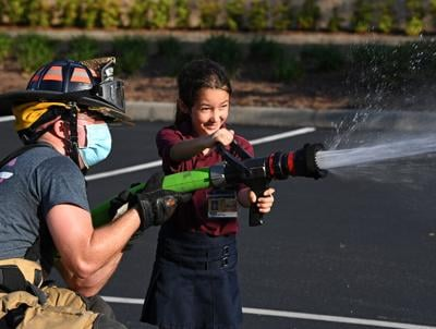 VPSD firefighters give kids hands-on lessons