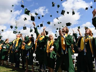 VHS Class of 2021 soars toward life's next chapter