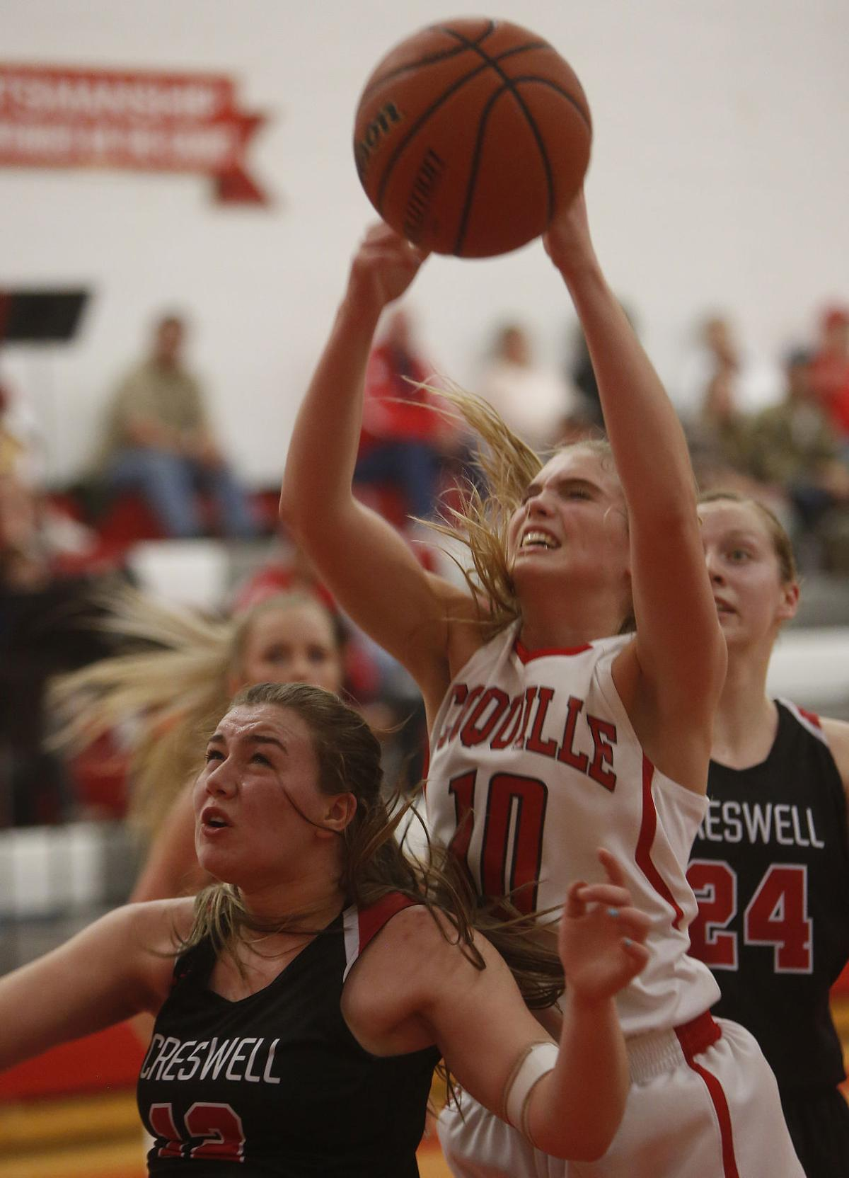Coquille takes down Creswell