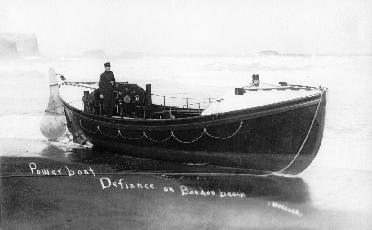 Powerboat Defiance in Bandon circa 1906