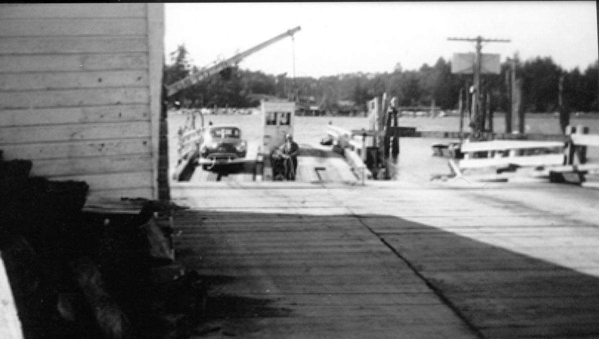 The Bandon Ferry before construction of the Bullards Bridge