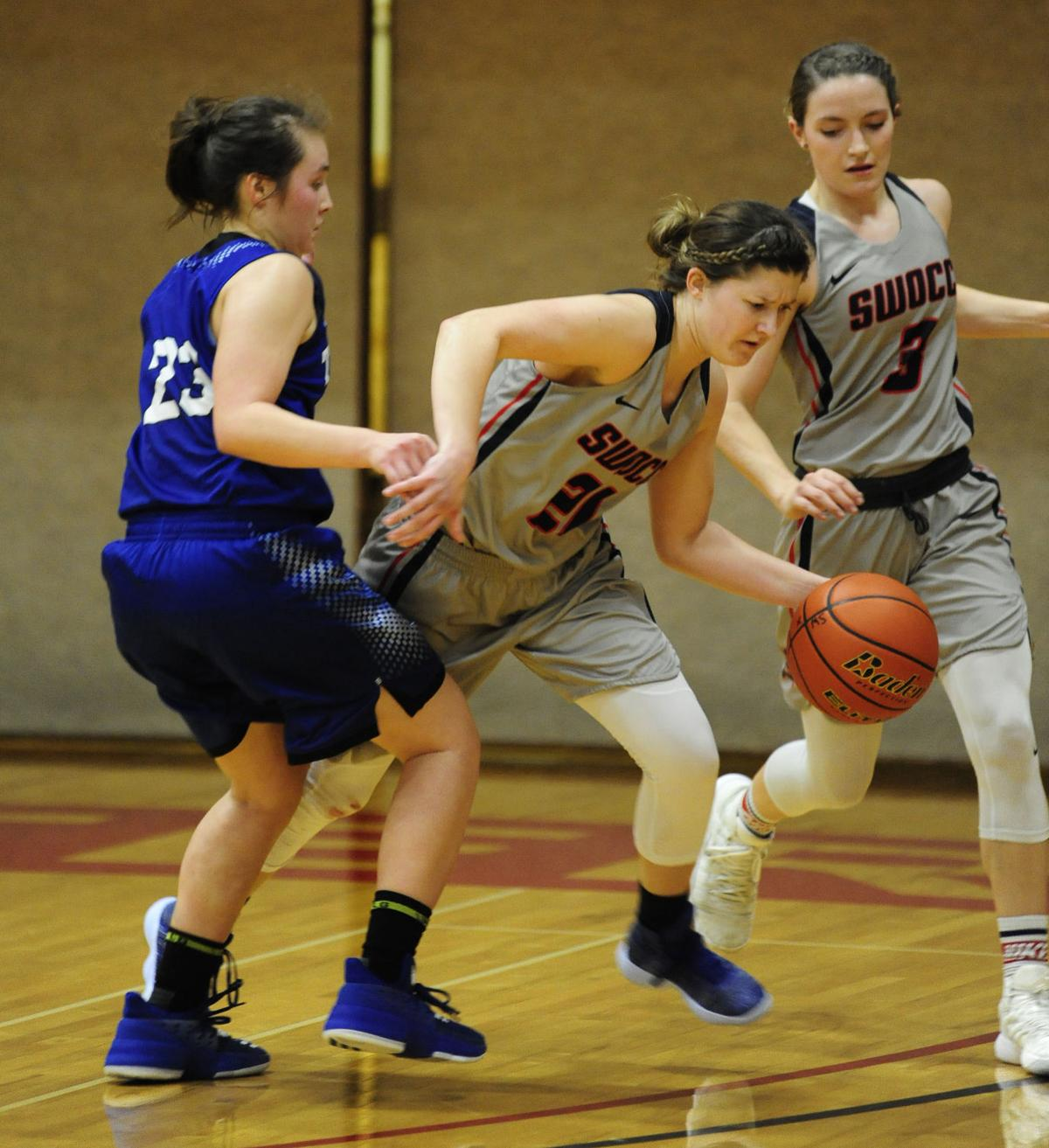 SWOCC women fall to the Titans, 82-68
