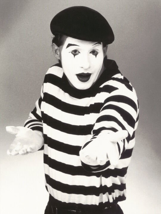 'Life in Pieces' mime and opera show
