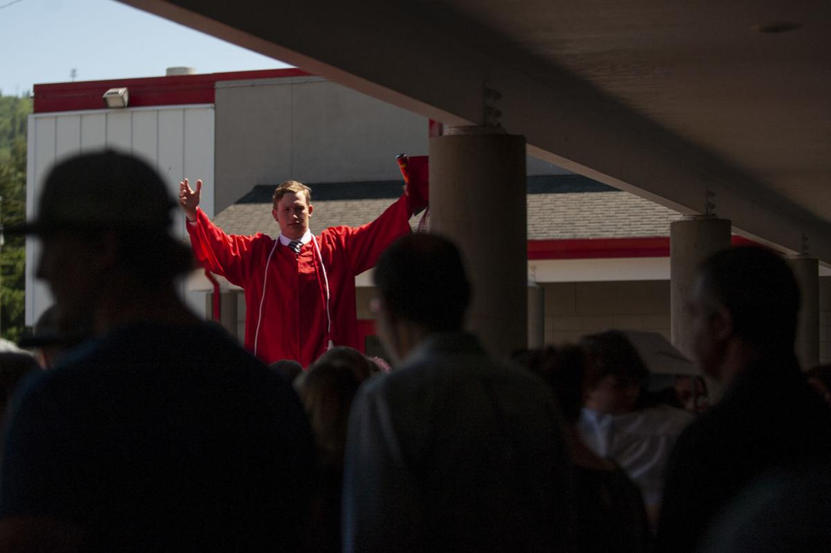 Coquille Graduation