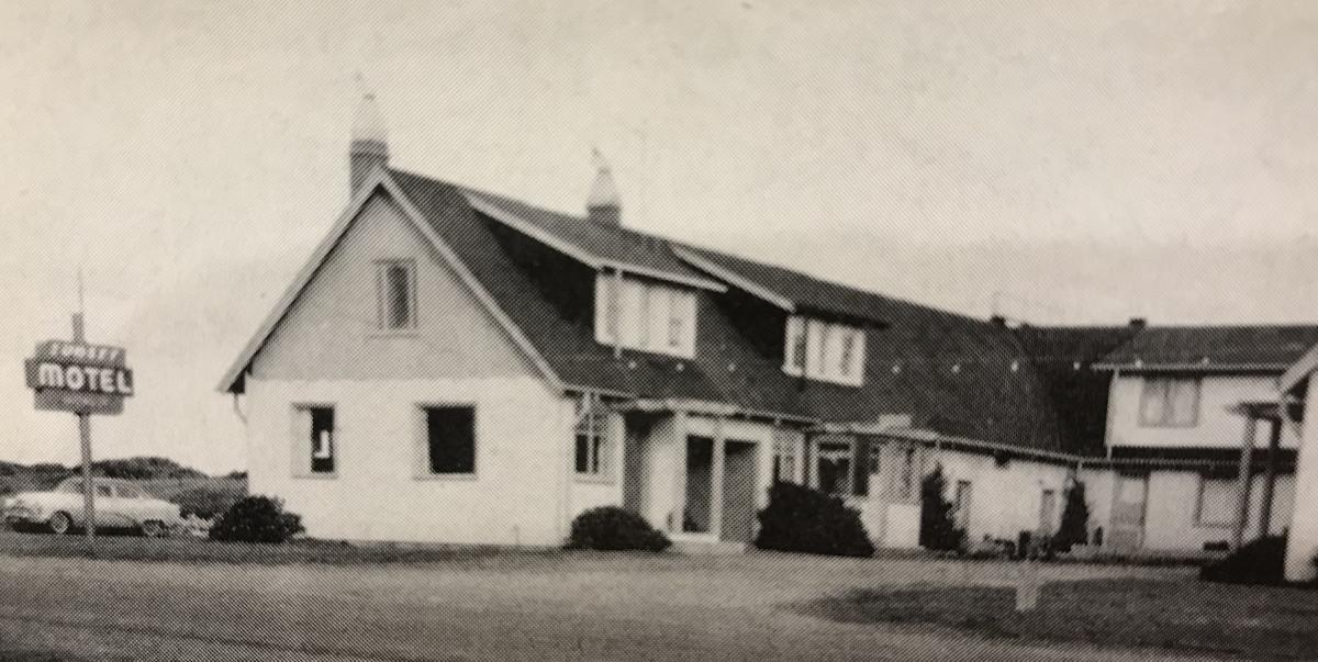 Sunset Motel, 1950s