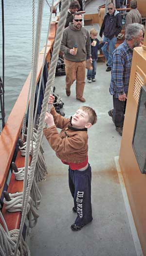 Tall ships let school groups ride at discount