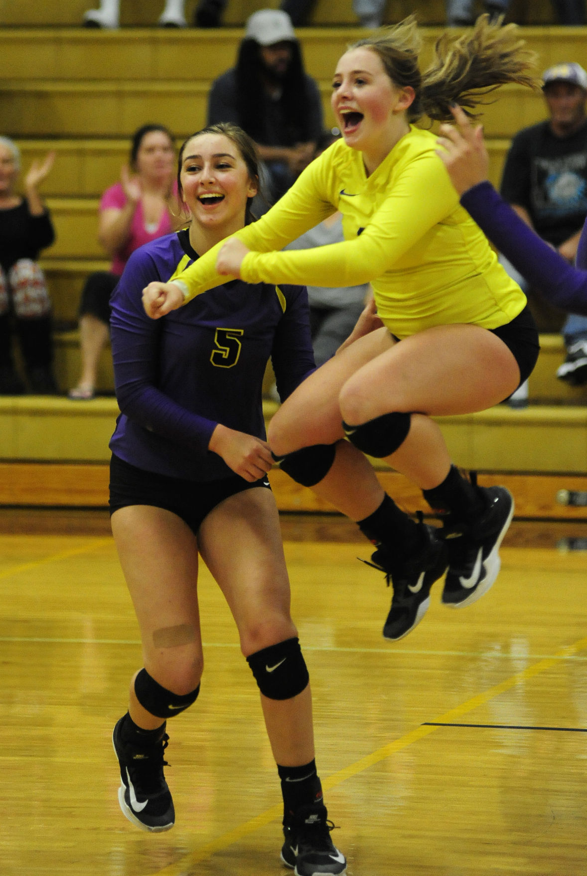 Marshfield takes down North Bend, volleyball