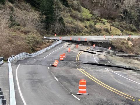 Hooskanaden Creek slide closes highway north of Brookings