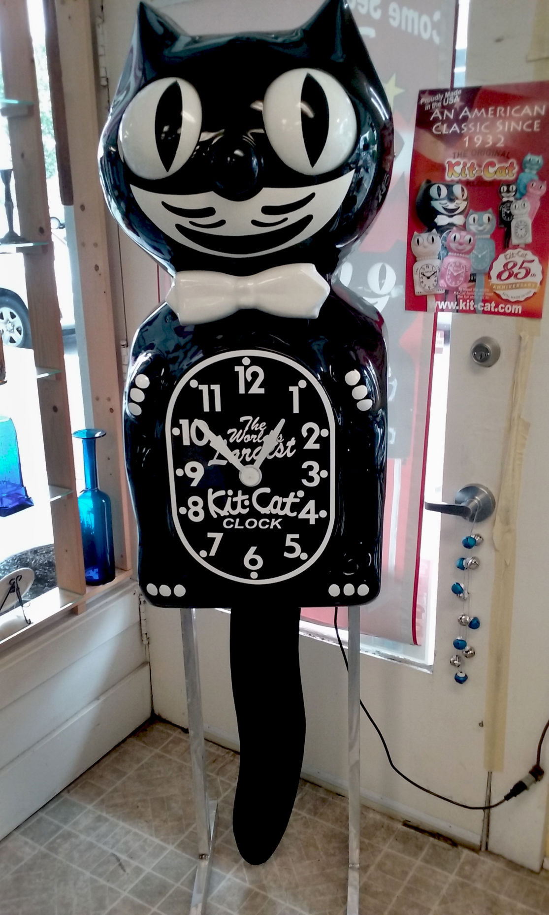 kit cat clock celebrates 85 years south coast. Black Bedroom Furniture Sets. Home Design Ideas