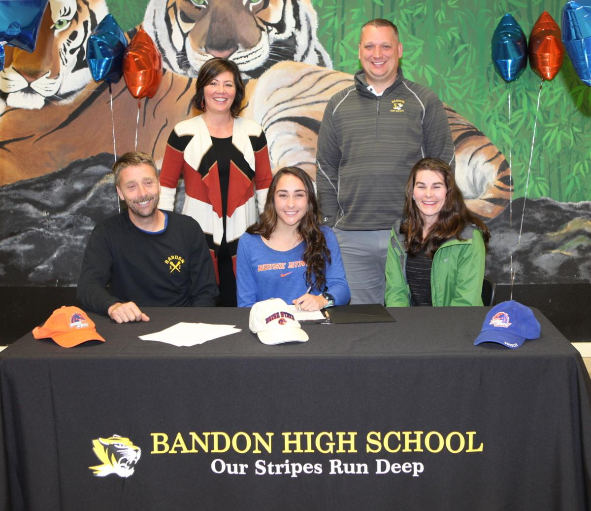 Sailor Hutton signs with Boise State