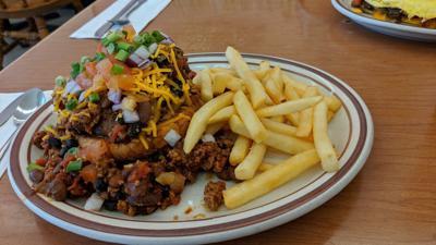 leona's chili burger