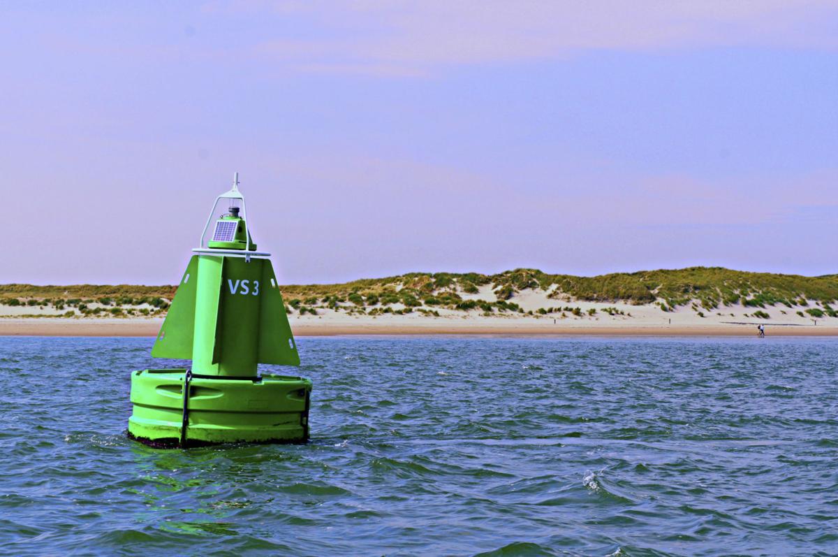 511326005 buoy channel marker