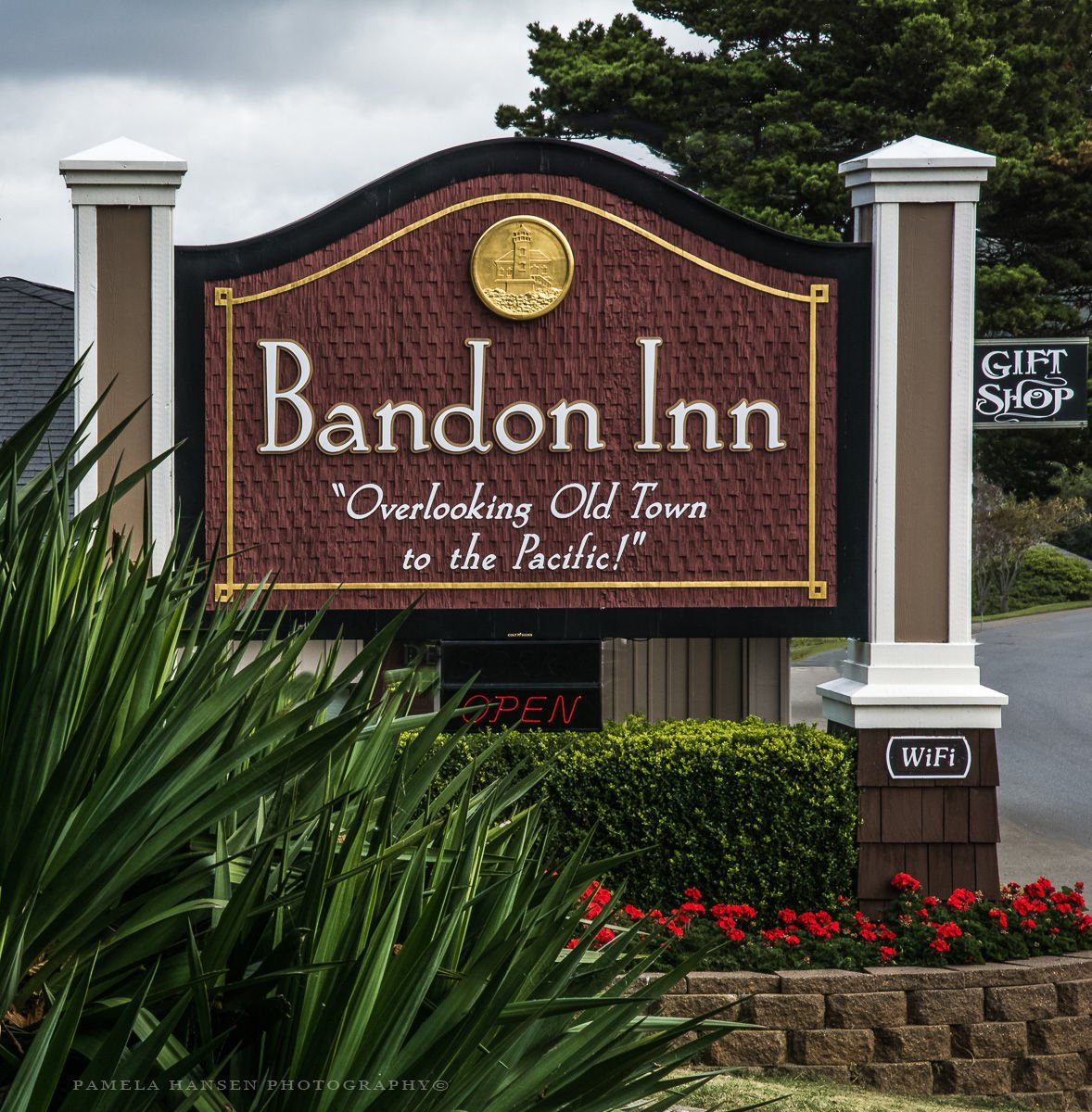 Bandon Inn sign