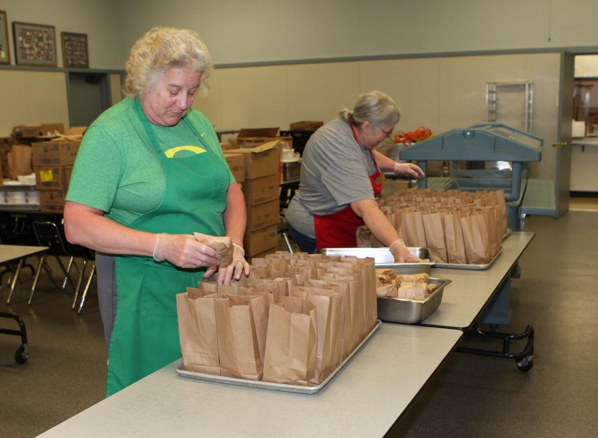 Bandon School District - packing lunches