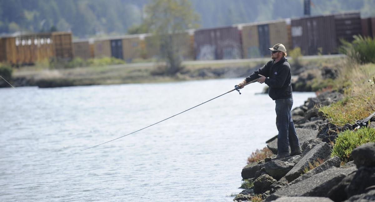 Coos bay boardwalk fishing signs unenforceable local for Coos bay fishing