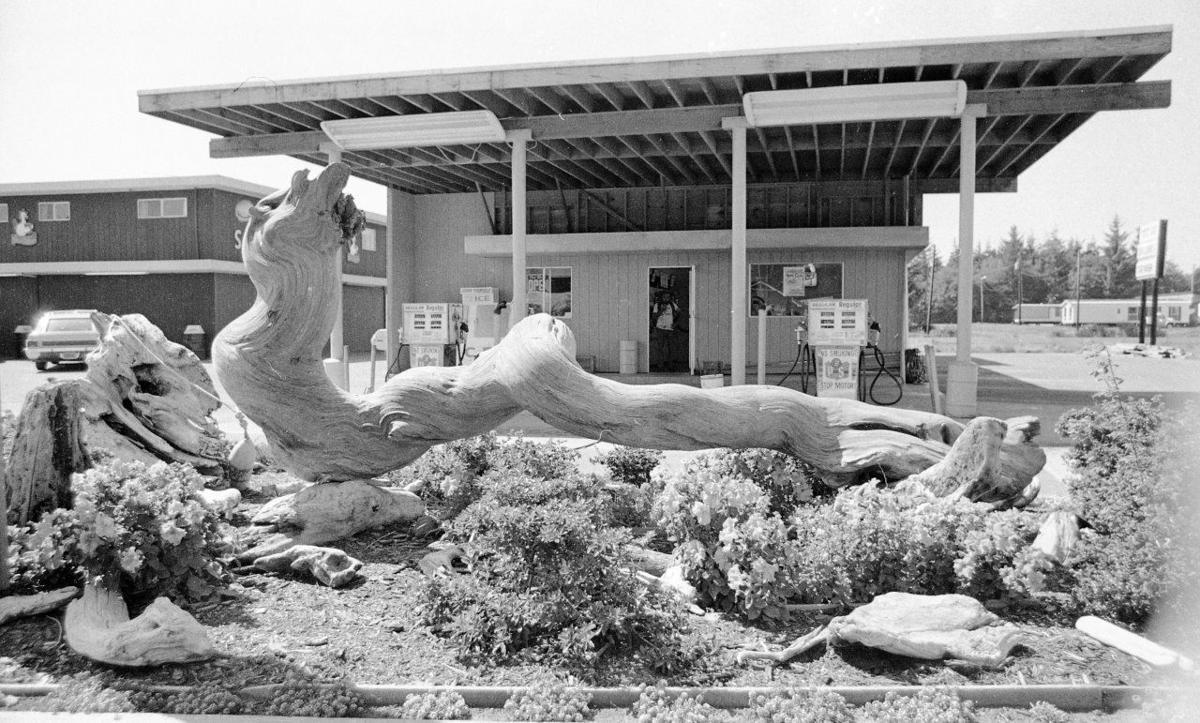 Bandon Plaza, 1975