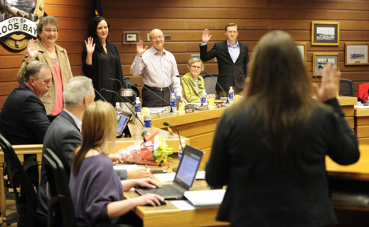New Council and Mayor Sworn In (copy)