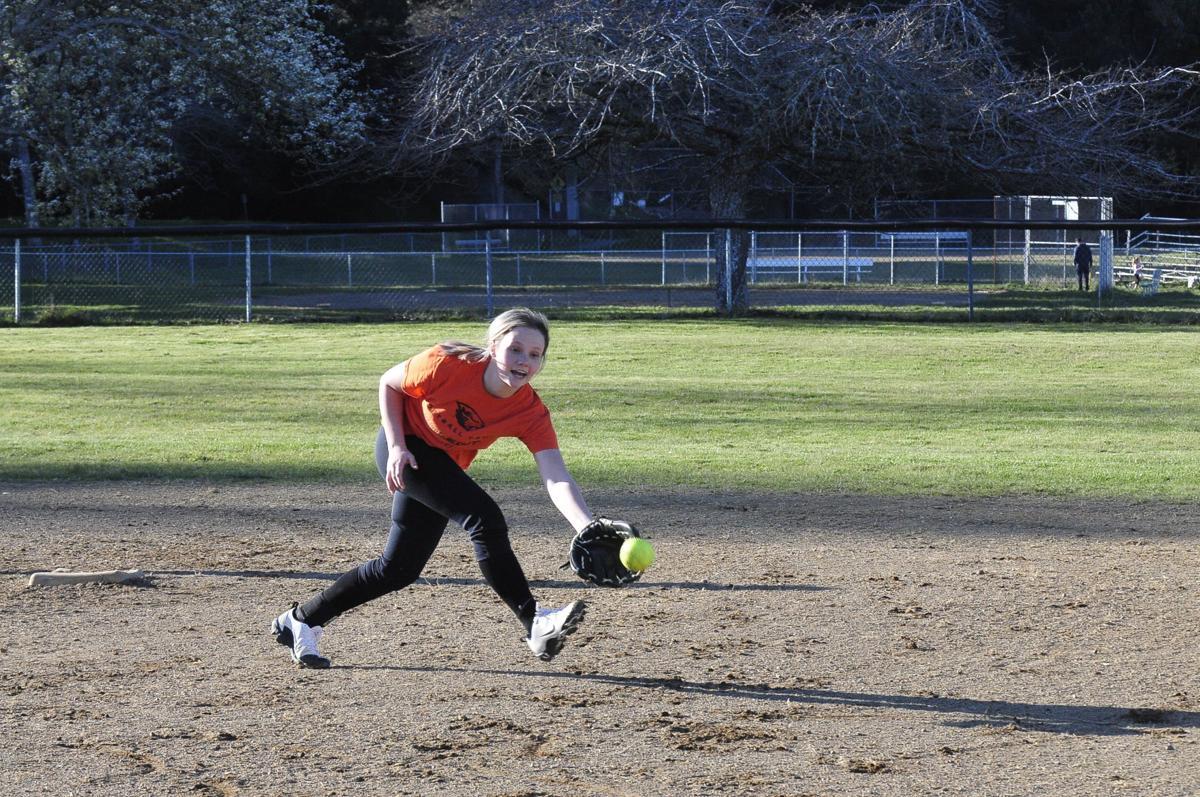 Reedsport Softball