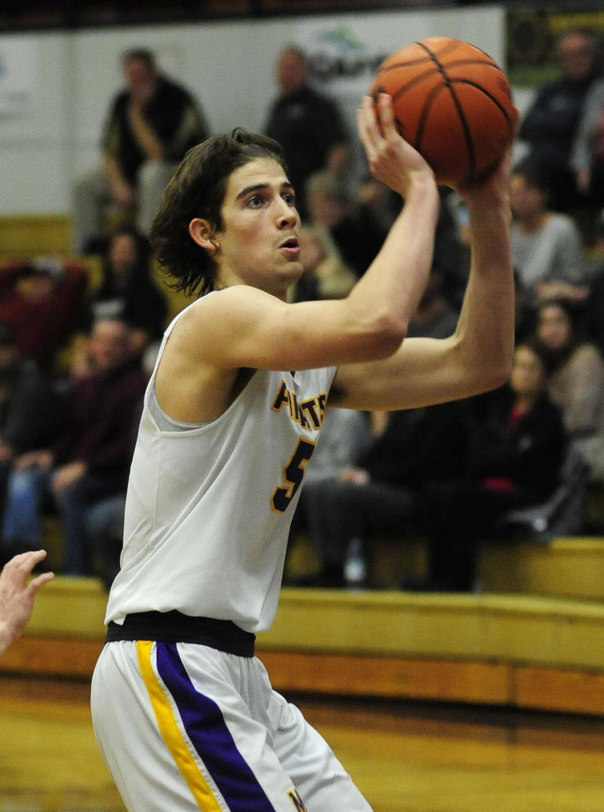 Marshfield holds out to beat Junction City, 63-52
