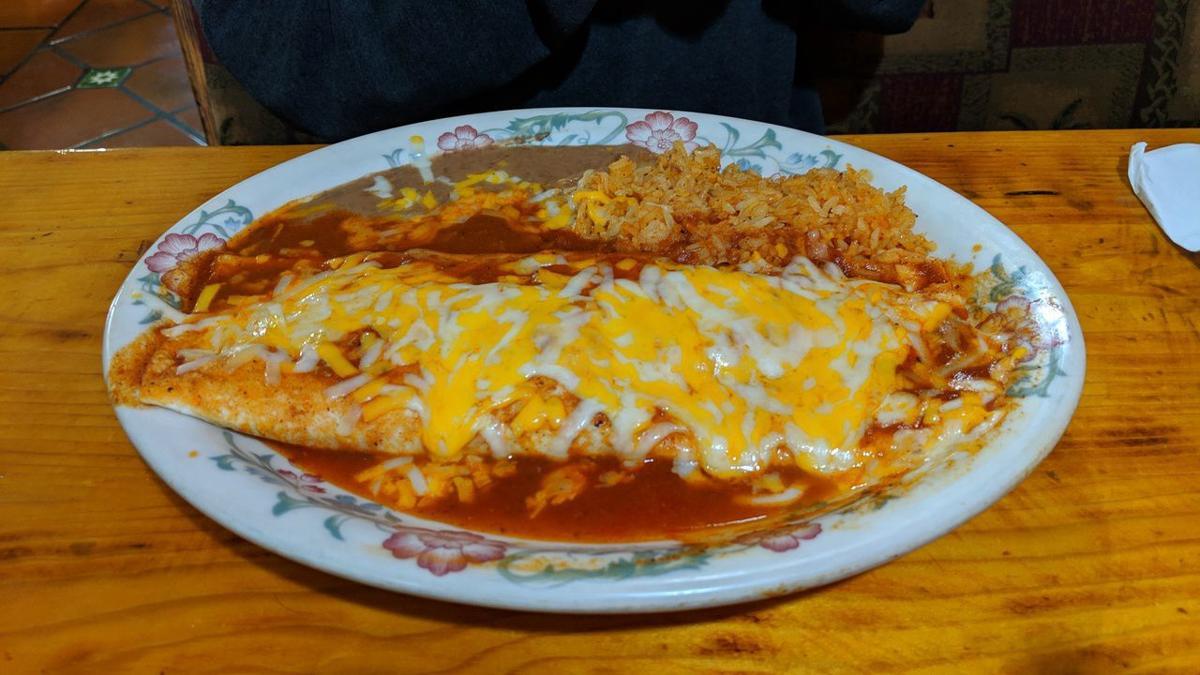 El Tapatio: Burrito Colorado