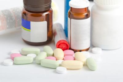 506222568 pills bottles opioids
