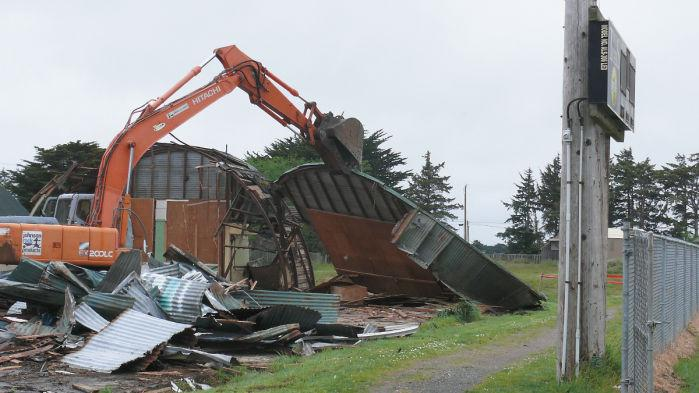 Military Surplus Quonset Huts For Sale >> Bandon S Quonset Hut Torn Down Bandon News Theworldlink Com