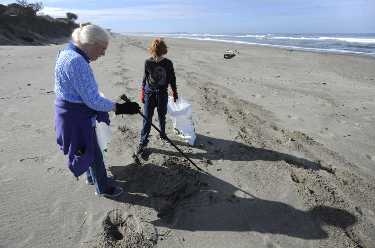 SOLVE Spring Beach Cleanup