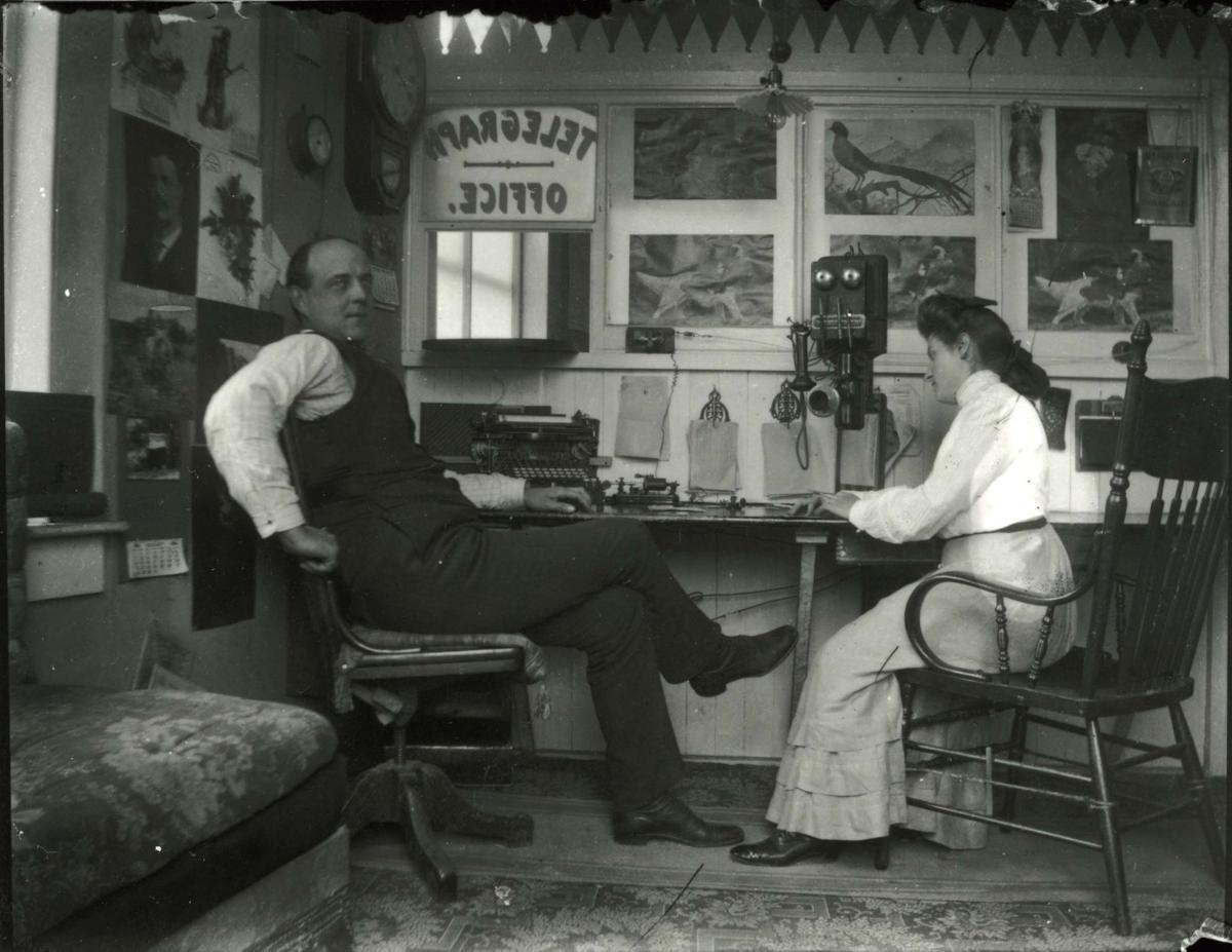 Dr. Horsfall at the Marshfield telegraph office