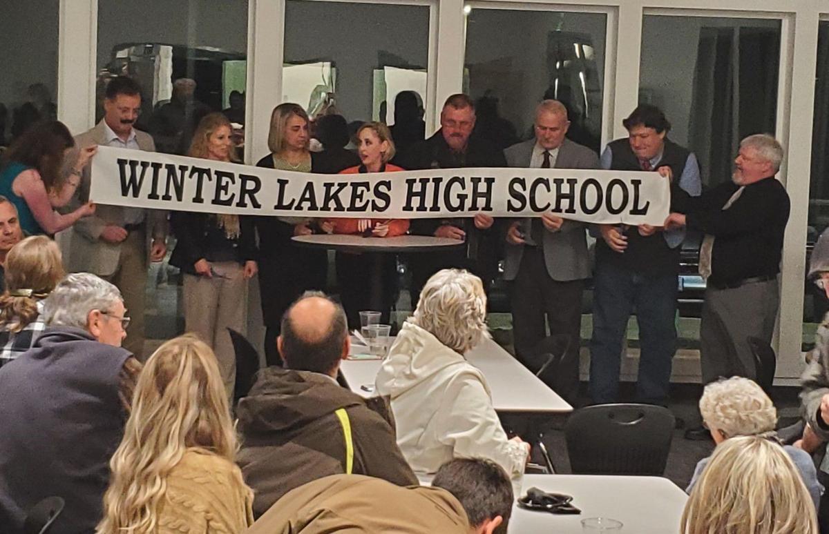 Winter Lakes High School ribbon cutting