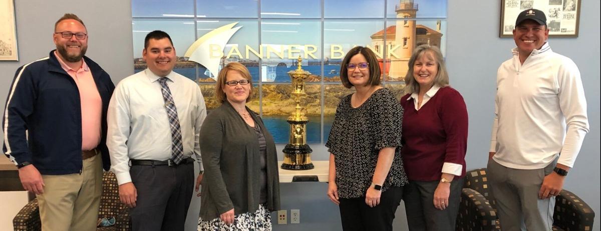 U.S. Amateur trophy visits Banner Bank