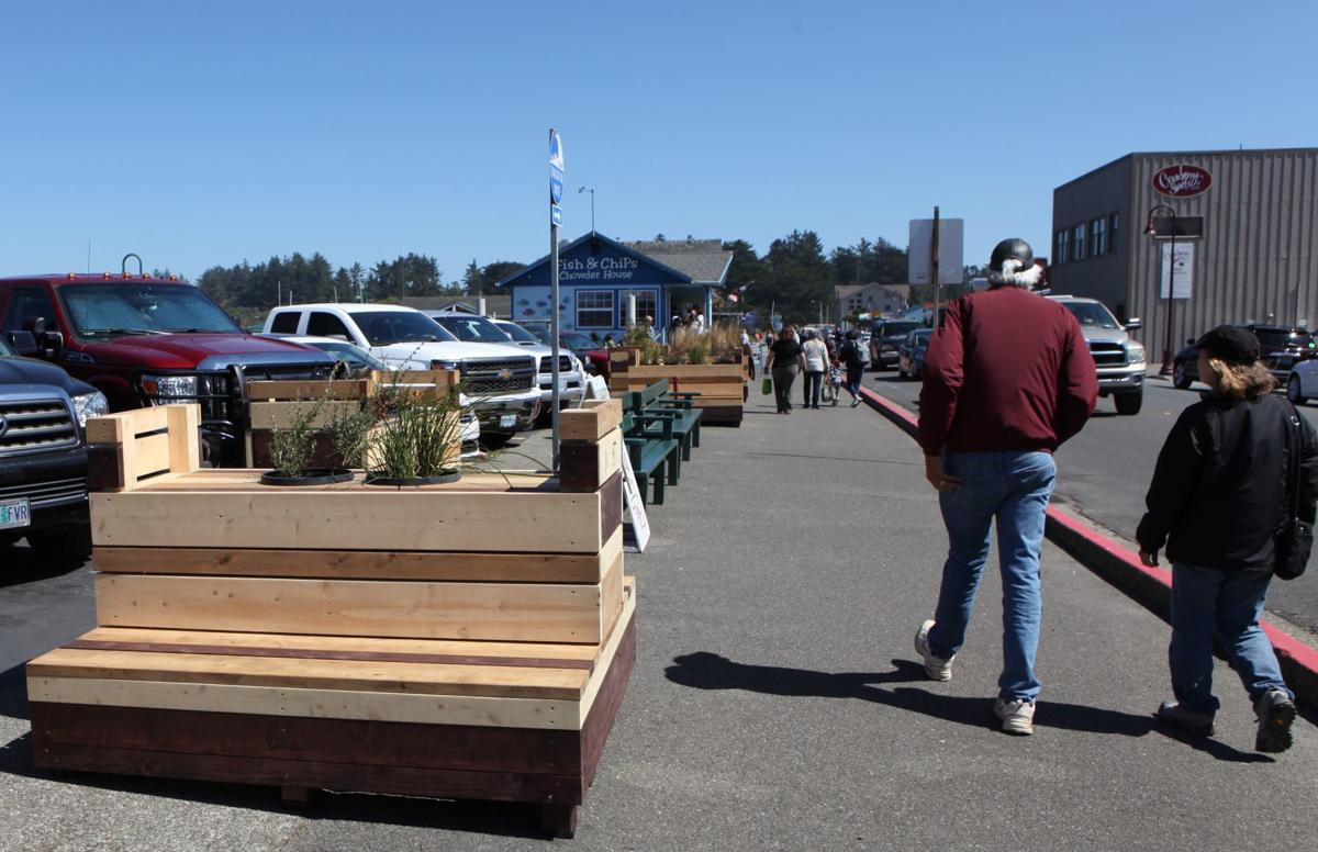 Port of Bandon installs new benches
