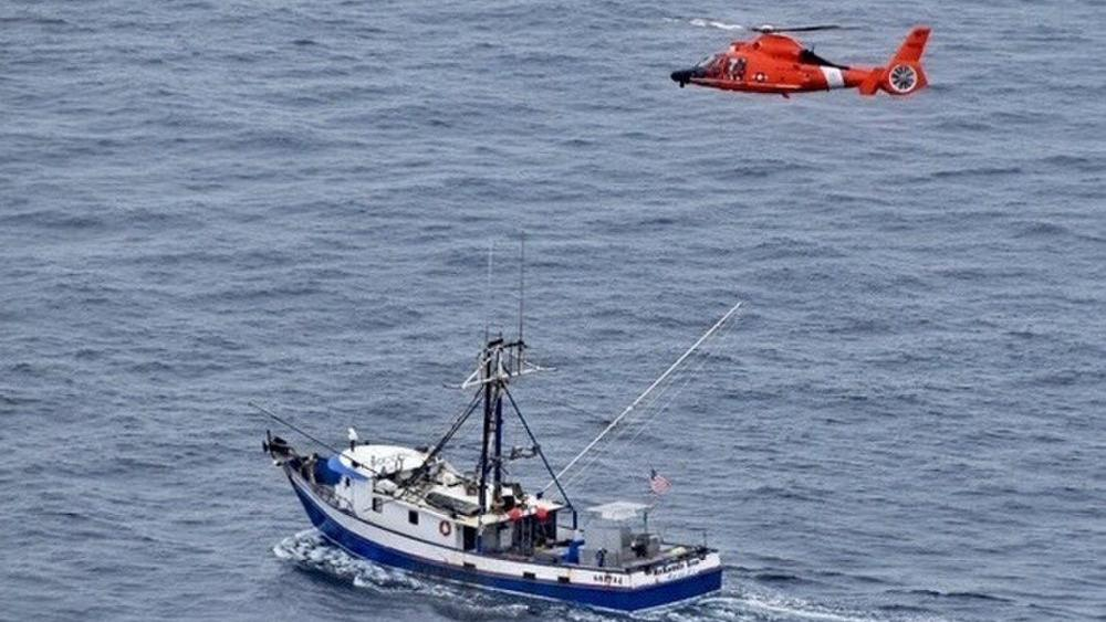Coast Guard medevacs injured fisherman 100 miles off Coos Bay (VIDEO)