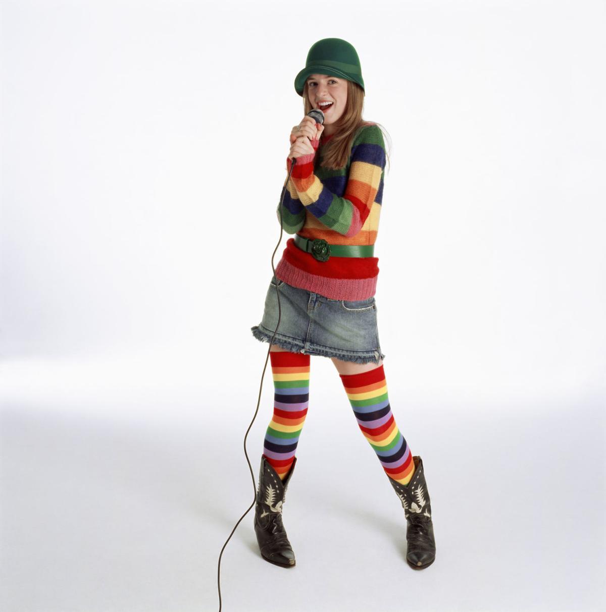 76749422 teen singer mircrophone